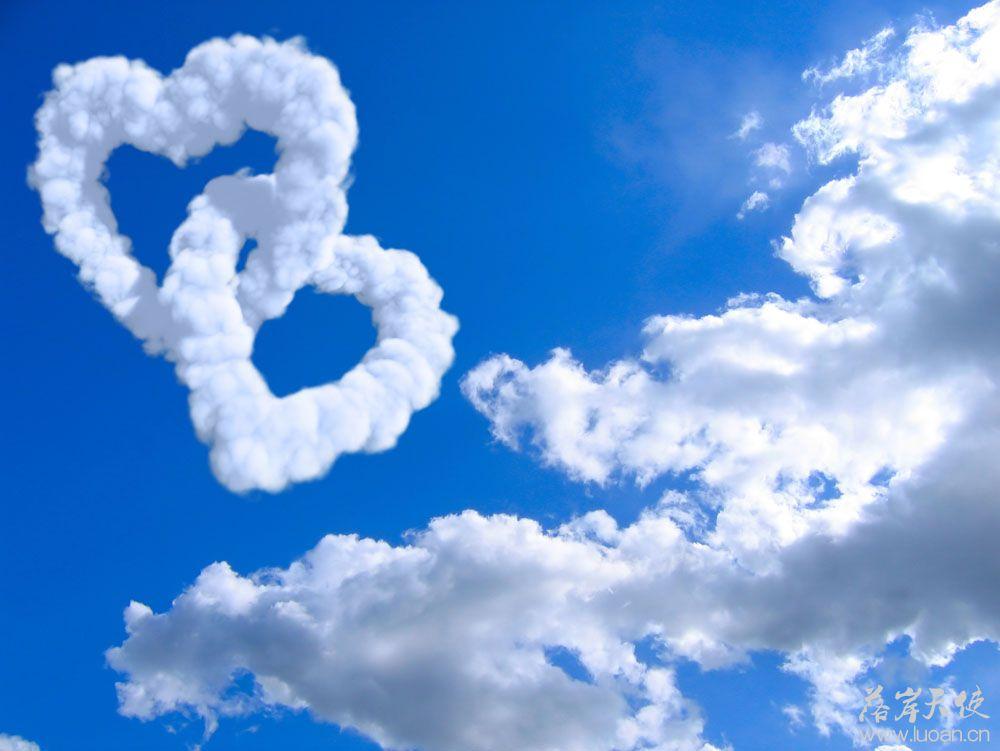 两颗心形云朵心连心高清云素材图片自然风光